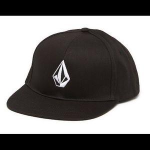 NEW Volcom Snapback Hat
